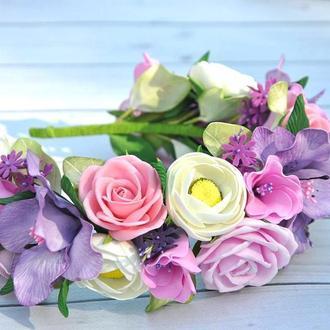Обруч с цветами Ободок на голову с розовыми розами ранкулюсами и лилиями