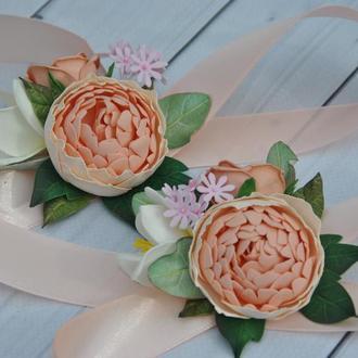 Бутоньерка на руку с цветами Бутоньерка для жениха с персиковым пионом