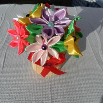 кашпо с цветами