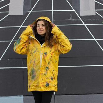 Яркий женский дождевик-куртка с эксклюзивным принтом