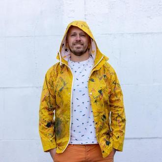 Яркий мужской дождевик-куртка с эксклюзивным принтом