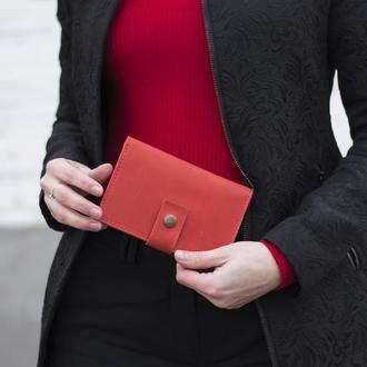 Стильный кожаный бумажник на кнопке красный