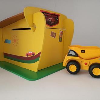 Игрушечный гараж для машинок