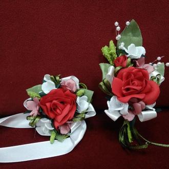 Свадебные бутоньерки для свидетелей красные