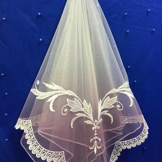 Шарф. платок  на нежном и мягком фатине с вышитым узором шелковой нитью