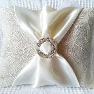 Свадебная подушечка для обручальных колец Айвори (молочная) эксклюзивная