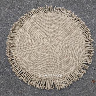 Джутовий килимок, декорований бахромою