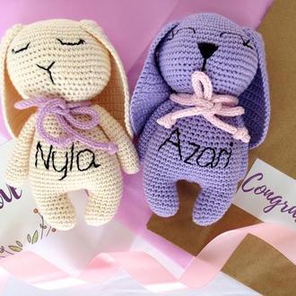 Зайчик мягкая вязаная игрушка для девочки или мальчика. Подарок для ребенка на рождение, крещение