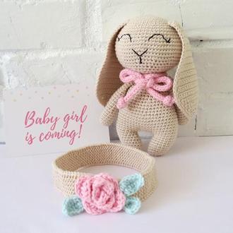 Игрушка зайчик и цветочная повязка на голову. Подарок для девочки. Для фотосессии новорожденных