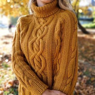 Теплый свитер с аранами