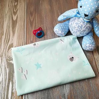 Наволочка мишки-звездочки на бледно-мятном фоне с запахом, на детскую подушку  60 *40 см, 100% хлопо