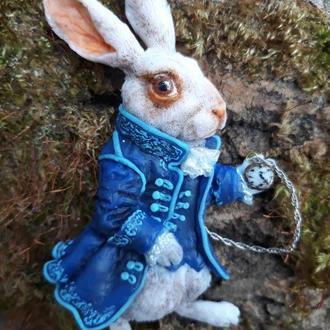 "Брошь ""белый кролик"""
