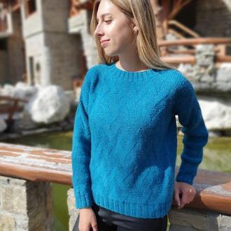 Вязаный свитер из натуральной шерсти