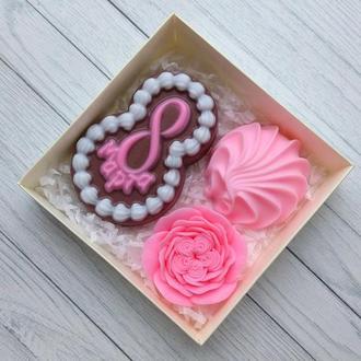 Сувенирное мыло: набор на 8 марта: восьмерка в виде пирожного, зефир, роза