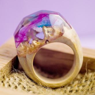 Кольцо из дерева и эпоксидной смолы. Подарок для девушки.