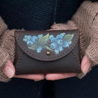 Коричневый кожаный чехол для карт визитница с ручной росписью