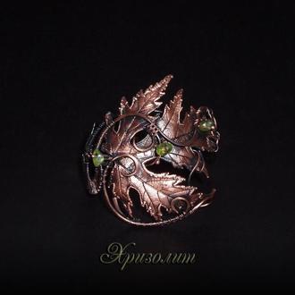Браслет кленовый лист с бусинами хризолита