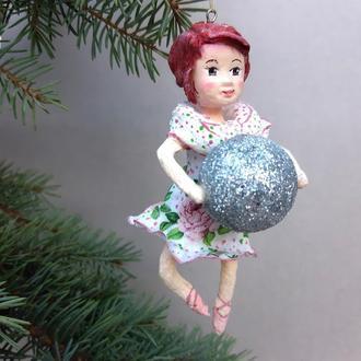 """Коллекционная ватная игрушка """"Девочка с шариком"""""""