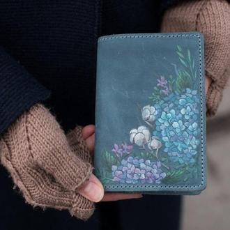Обложка для паспорта из натуральной кожи с росписью или тиснением