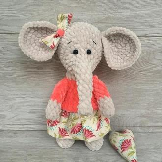 Вязаная плюшевая игрушка Слоняшка