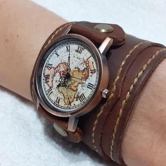 Наручные часы с широким ремешком