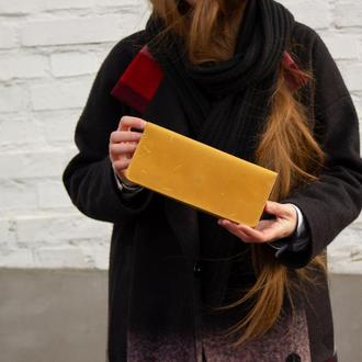 Удобный бумажник из натуральной кожи желтый