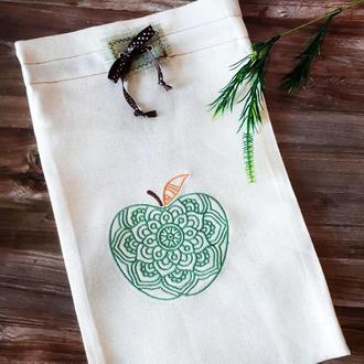 Подарочный вариант эко-мешочка из грубого хлопка с вышивкой