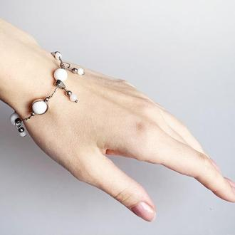 """Браслет-цепочка """"подковка"""" с бусинами  белого нефрита и подвесками.  (модель № 594) JK jewelry"""