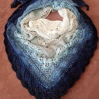 Вязанная ажурная шаль бактус