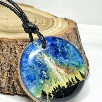 """""""Сяйво"""", кулон з дерева і смоли, авторський малюнок на дереві, дизайнерське прикраса для дівчат"""