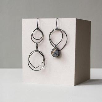 Асимметричные длинные серебряные серьги с деревом