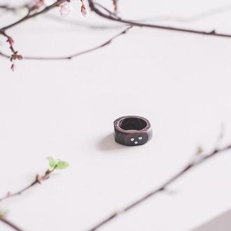 Перстень з марказитами - капельное серебро - кольцо из дерева с граненым пиритом - унисекс