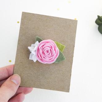 Нежная заколка для девочки с цветами / Весенняя заколочка для малышки
