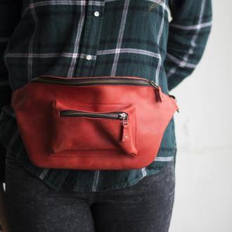 Кожаная женская поясная сумка красный