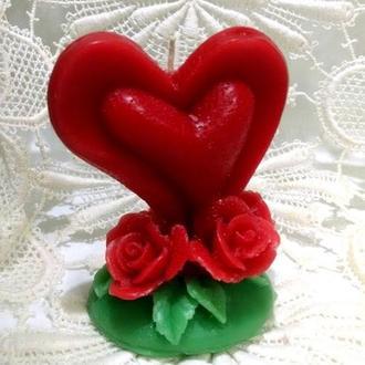Свеча Сердце с розами.