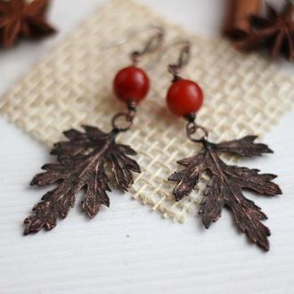 Серьги с листочком и бусинами