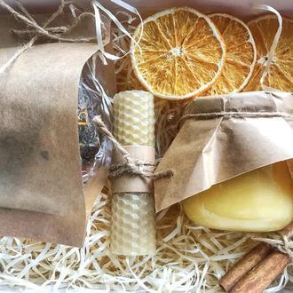 Подарочный набор чая (травяно чай, мед, свеча)