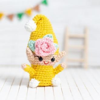 Желтый садовый гном ,вязаная игрушка крючком ,амигуруми