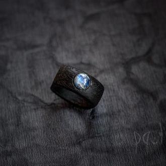 Перстень з місячним каменем - адуляр - кольцо - дерево - унисекс - лунный камень