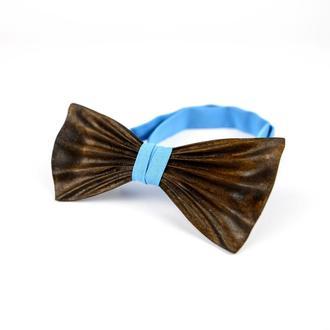 Дерев'яна краватка-метелик ручної роботи. Колір тканини можна змінити.