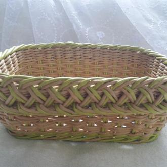 Корзинка прямокутна плетена