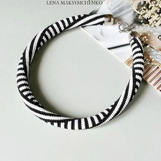 Жгут ′Черно-белый′ из чешского бисера