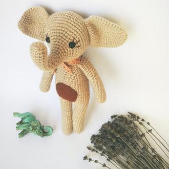 Мягкая игрушка бежевый слоник. Подарок ребенку. Украшение детской