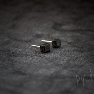 Сережки Куб - дерево - черные серьги - геометрия - объемные