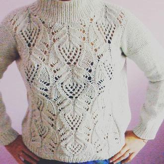 Пуловер спицями з ажурним узором