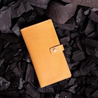 Кожаное портмоне Эдвард с клапаном в желтом цвете от мастерской Hidemont 0171