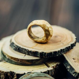 Кольцо из дерева. Подарок для девушки.