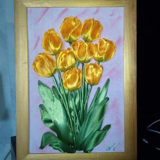 Картина вышитая лентами Тюльпаны