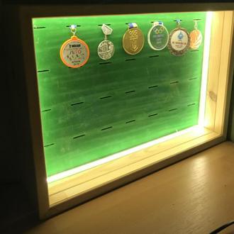 Медальница навесная с LED  подсветкой