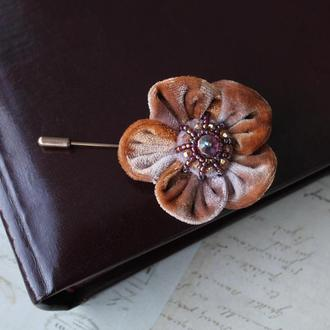 Брошь булавка Цветок из бархата